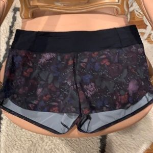 Lululemon short running shorts black floral